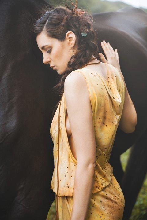 Flechtfrisuren, Naturfarben, nude Make up zart contouriert