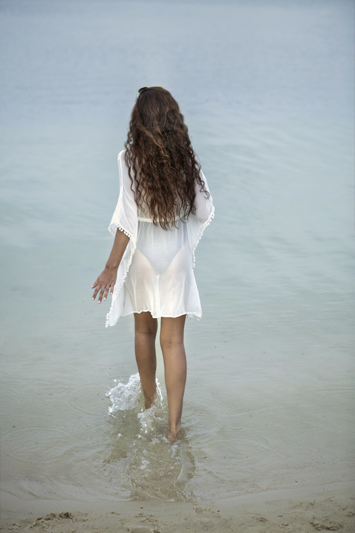 brunette Locken, natürlich fallend, passend zum beachlook