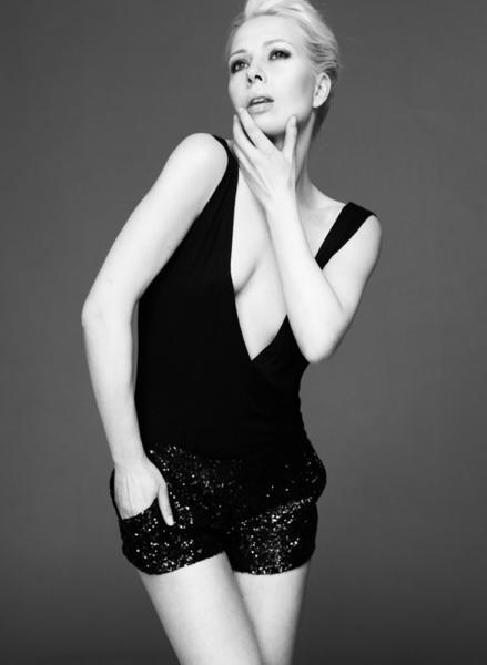 Glamouröses Styling mit extravagantem Jumpsuit