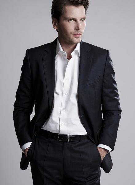 Bild eines Mannes in modernem Anzug