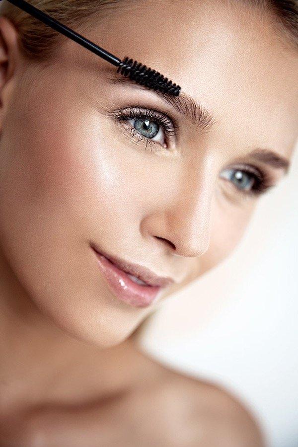 Hair and Make up Artist für perfekten Teint, Werbung, Film, Foto