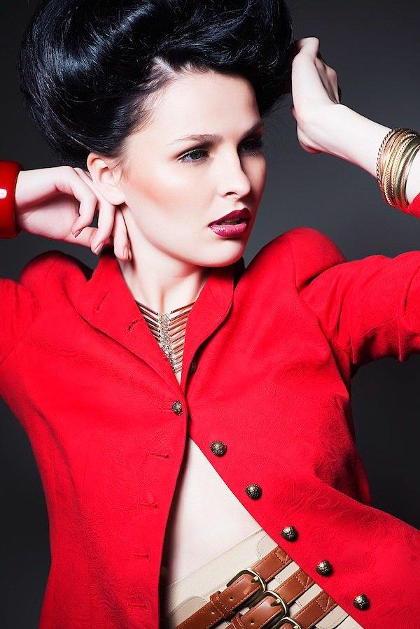 bighair, extravagante Steckfrisur, fashion, editorial, besonders