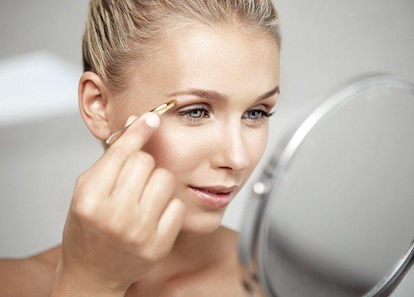 professionelles, natürliches Make up für Gesicht, Hände und Körper bei Fotoshootings, Werbeaufnahmen, Imagefilmen, Visagistin Düsseldorf
