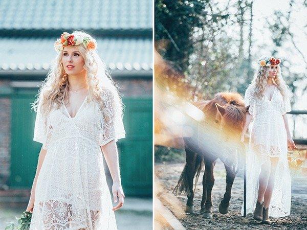 Bohamian Braut mit romantischen blonden Wellen und Kleid aus Spitze
