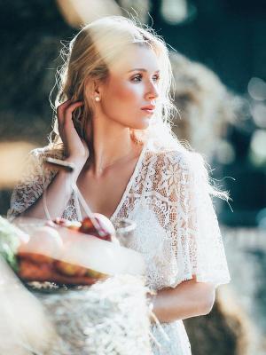 bohamian Style, zartes Make up, romantisches Gegenlicht Porträt