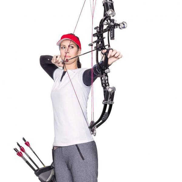 Make up Sportshooting, Bogenschützin mit gespanntem Bogen