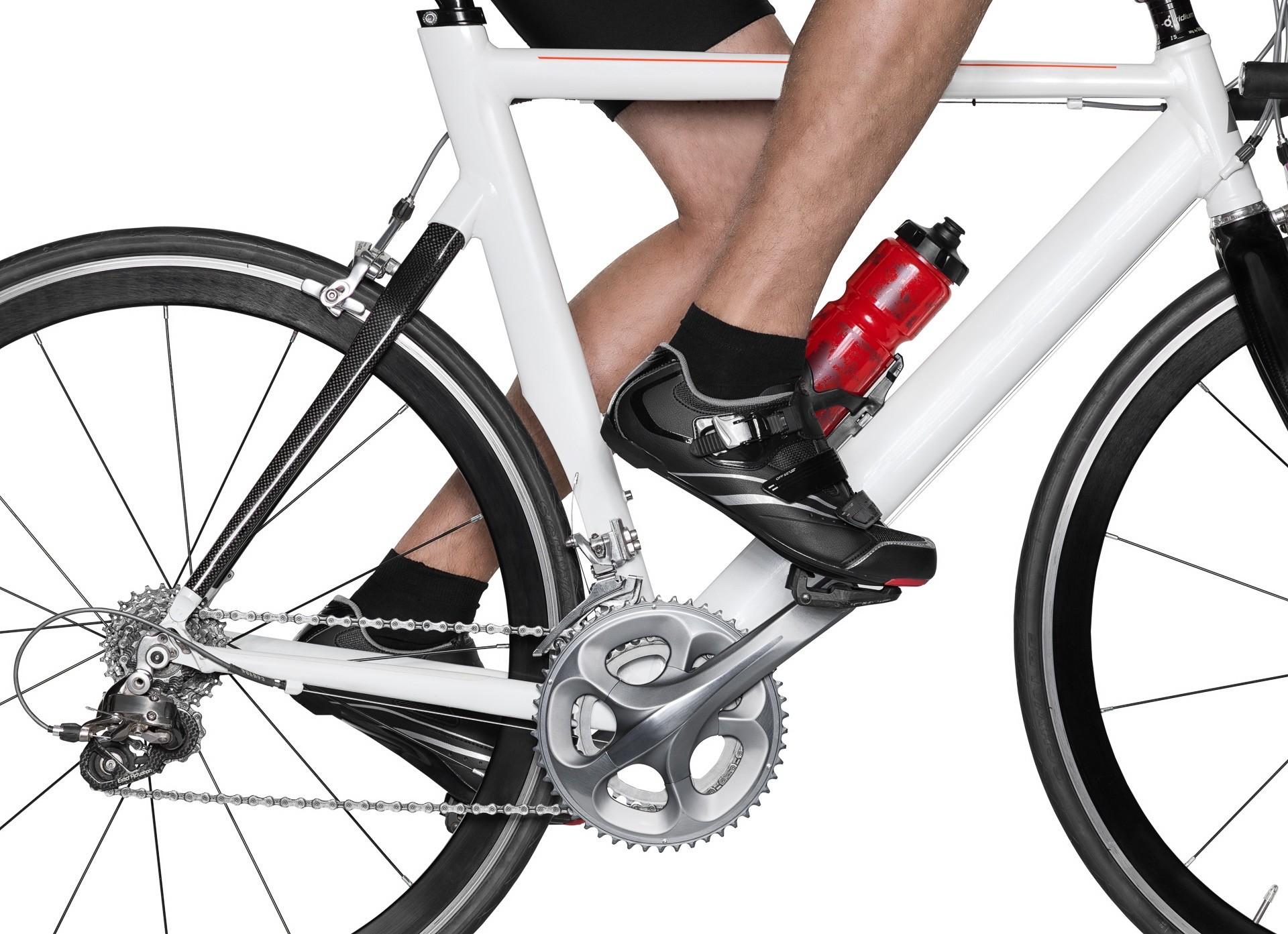 Sport Bodymake up, weisses Rad, Bildausschnitt Beine