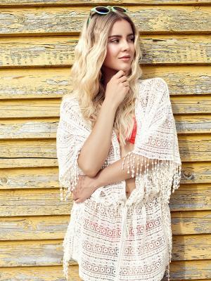 Beachwaves, blondes Model mit weich fallenden Locken im Strandoutfit geshootet am Silbersee in