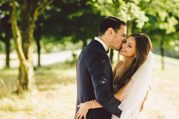 Braut make up mit natürlich betonten Augen