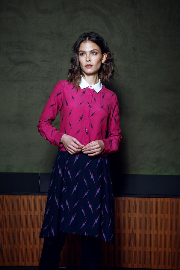 Kleid in pink und Blau mit Kragen